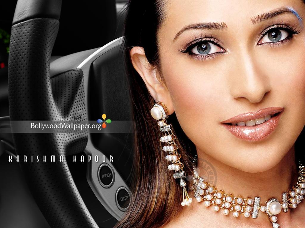 Naked Picture Of Karishma Kapoor