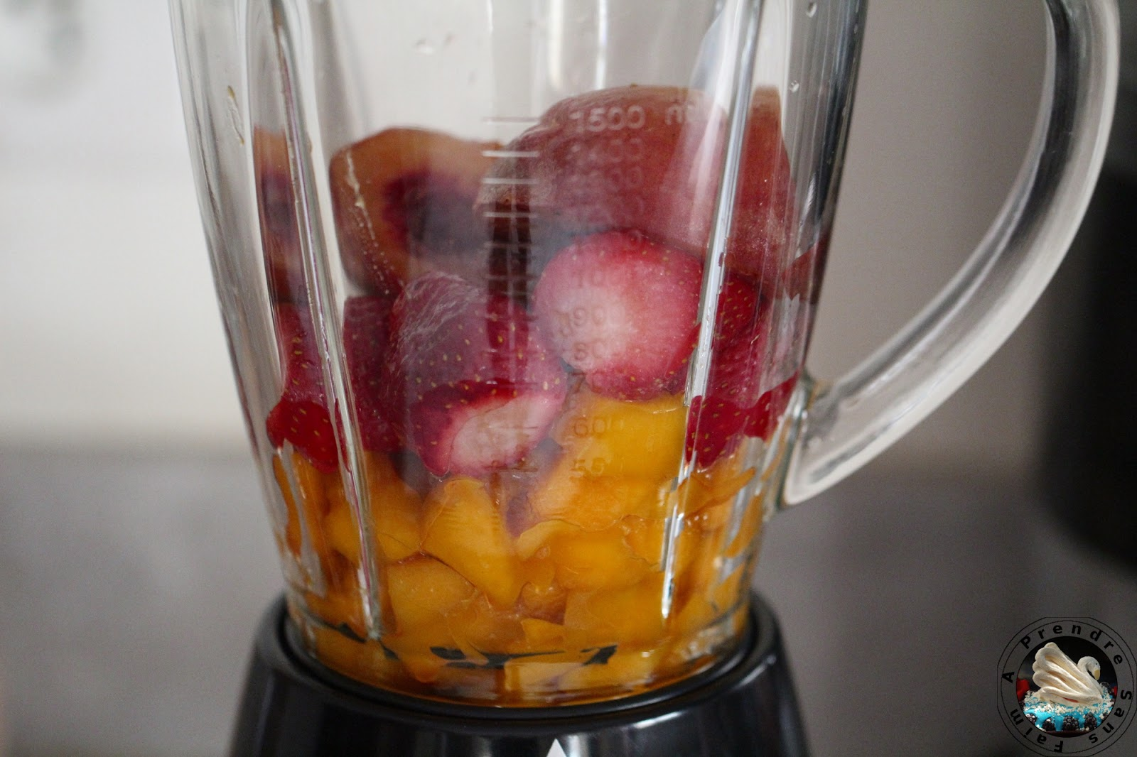Smoothie de mangue aux fruits