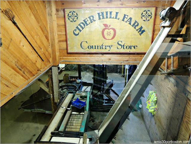 Supermercado de la Cider Hill Farm: Sótano