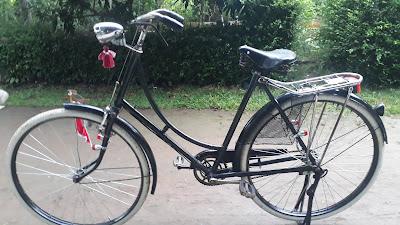 Sepeda Onthel kuno merek Simplex