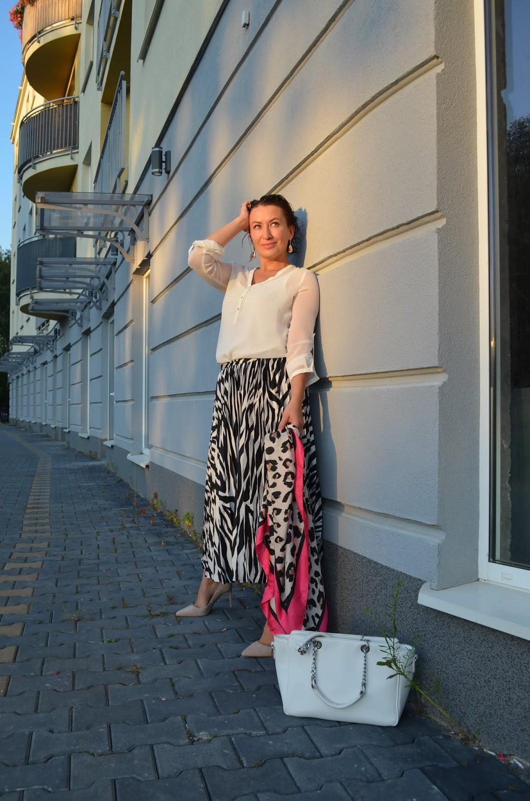 Adriana Style Blog, Blog modowy Puławy, Zara Blazer, Zara Blouse, Reserved Skirt, Reserved Heels, Szpilki Reserved, Żakiet Zara, Bluzka Zara, Zebra Print Reserved Skirt, Spódnica w Zebrę Reserved, Stylizacja