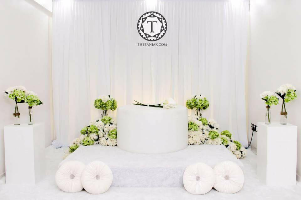 22 Idea Pelamin Simple Tapi Lawa
