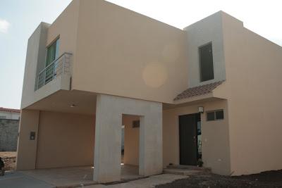 Fachadas de casas modernas noviembre 2012 for Casa moderna 8x20