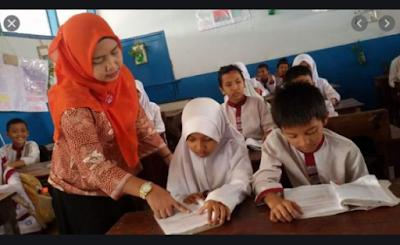 Sebaik Apapun Kurikulum Dirancang, Gurulah yang Menentukan Keberhasilan Pendidikan