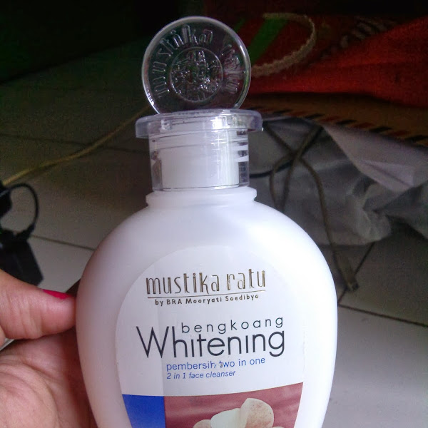 Review: Mustika Ratu Bengkoang Whitening Pembersih Two In One