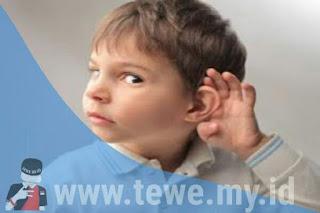 Firasat telinga kiri Berdenging