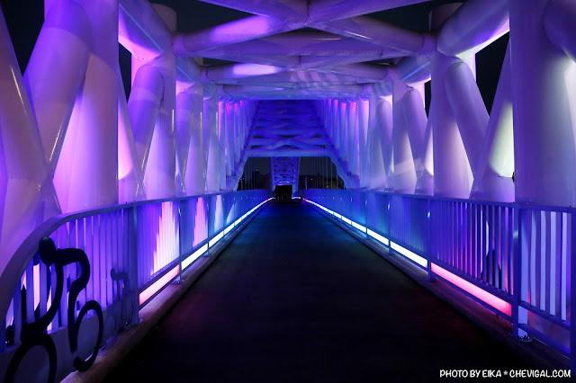 MG 0664 - 台中景點│橫跨旱溪的紫藍色彩海天橋,夜裡不可錯過的迷人紫調!