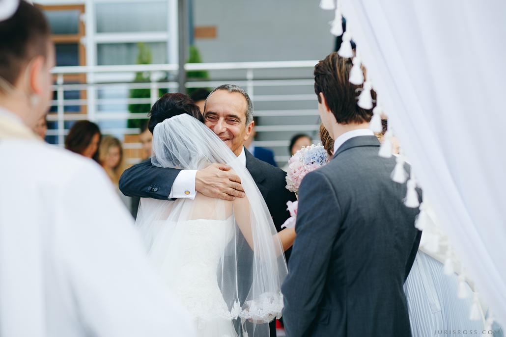 viesu sveikšana гости на свадьбе