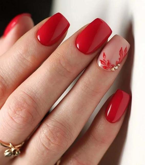 uñas rojas decoradas elegantes