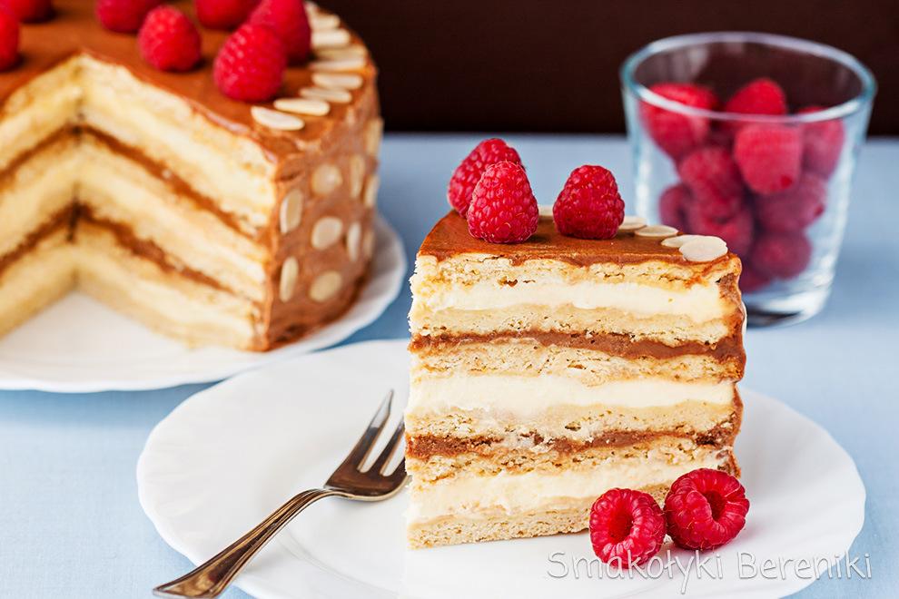 tort z masą krówkową
