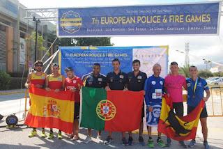 podium por equipos media maraton