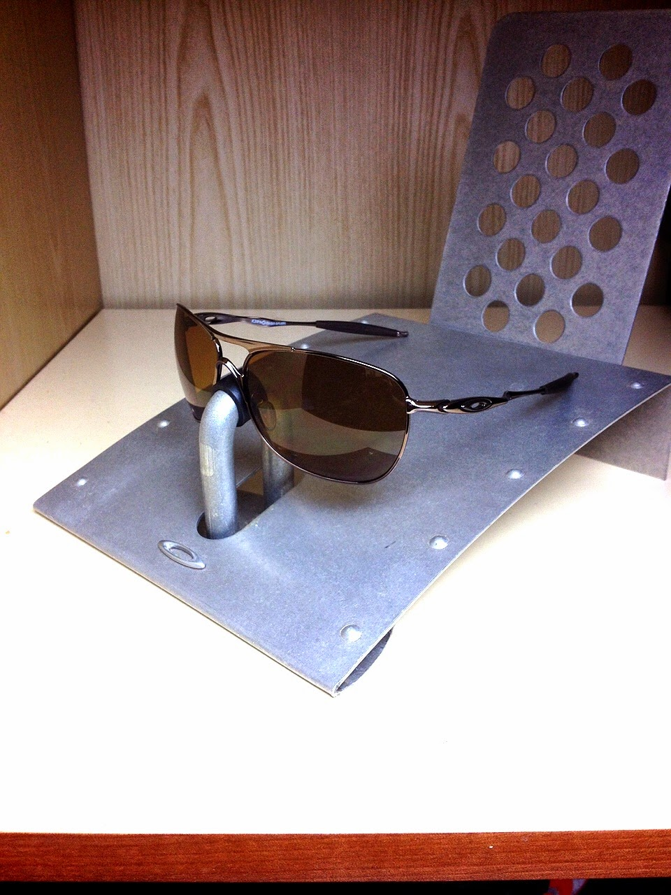 7508c4aad20 Sam s Oakley Collection from SG Singapore  OAKLEY CROSSHAIR BROWN ...
