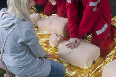 Cara sederhana untuk kompresi dada (CPR)