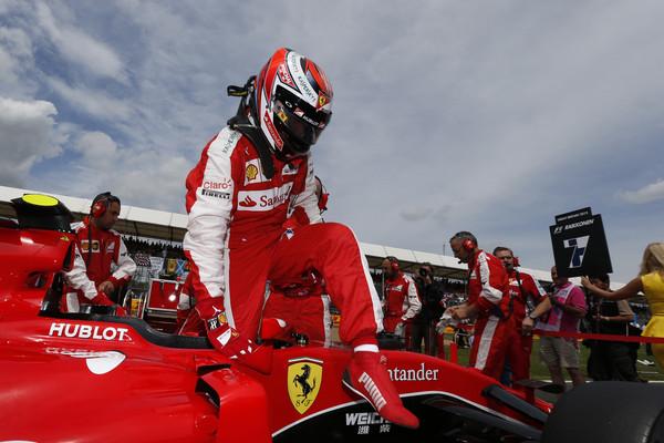 124e7a169f Isso vale bosta nenhuma - Kimi Raikkonen diz que é irrelevante ficar a  frente de Vettel visto a posição deles