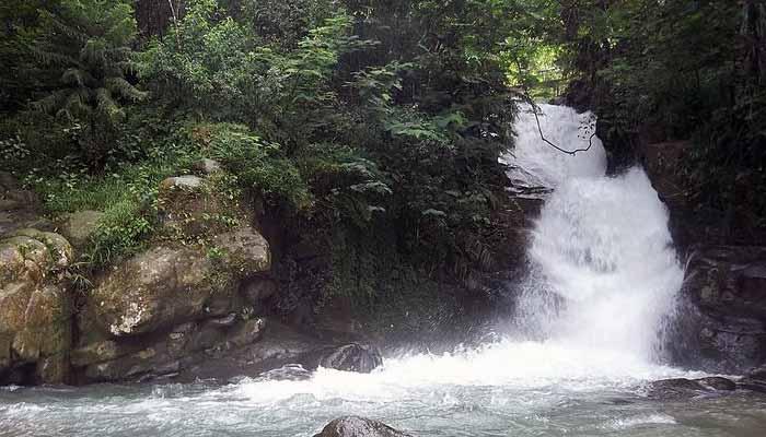 Curug di Bogor Yang Bisa Berenang