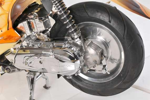 Akibat JIka Motor Matic Memakai Ban yang Lebar (www.motroad.com)
