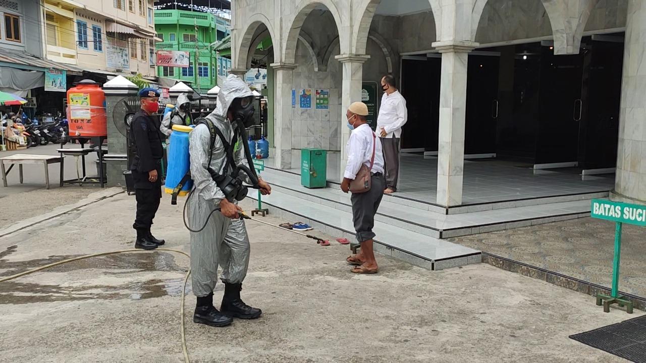 Baksos dan Penyemprotan Disinfektan Personel Brimob Jambi Bersama Pengurus Keluarga Besar Putra Putri Polri (KBPPP)