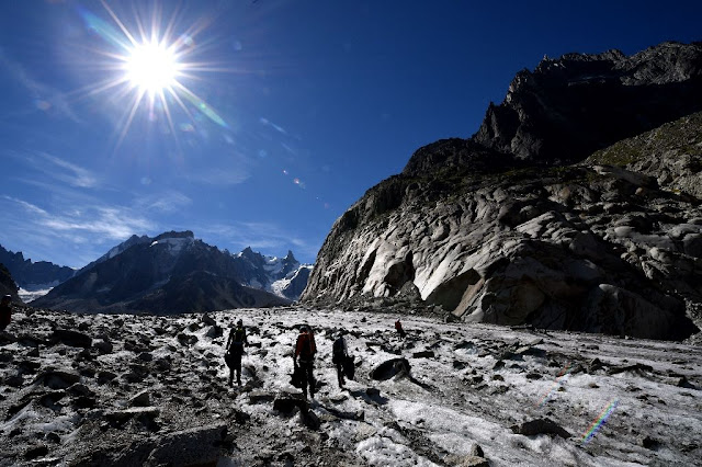 Preserving the memory of glaciers