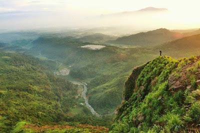 Objek wisata hits Bogor Gunung Batu Jonggol