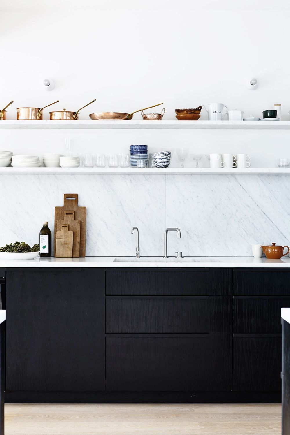 ilaria fatone _ shelf in minimal kitchen _ long shelf on wall