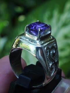 kecubung ungu