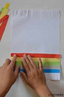 przyklejanie paska papieru