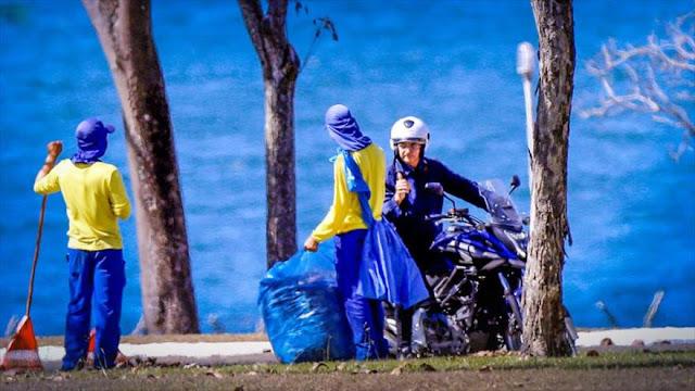 Bolsonaro, con COVID-19, se pasea en moto y sin mascarilla