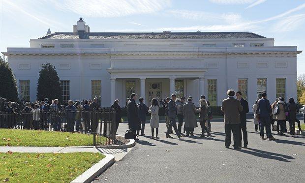 Barack Obama, recebeu seu sucessor, Donald Trump, na Casa Branca, nesta quinta-feira (10), para começar as discussões sobre transição de poder