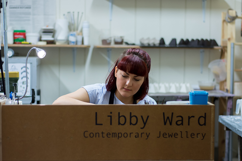 Libby Ward from fourMAKERS@no.5 at Middleport Pottery working at her studio | by Yasmin Qureshi Photography