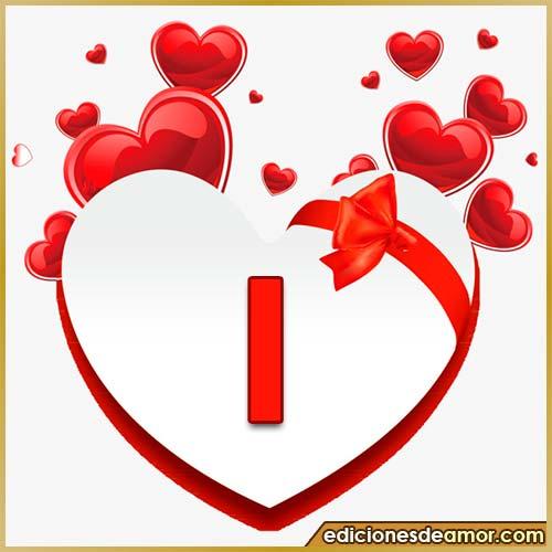 corazones volando con letra I