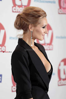 Catherine-Tyldesley-at-2017-TV-Choice-Awards-in-London-5+%7E+SexyCelebs.in+Exclusive.jpg
