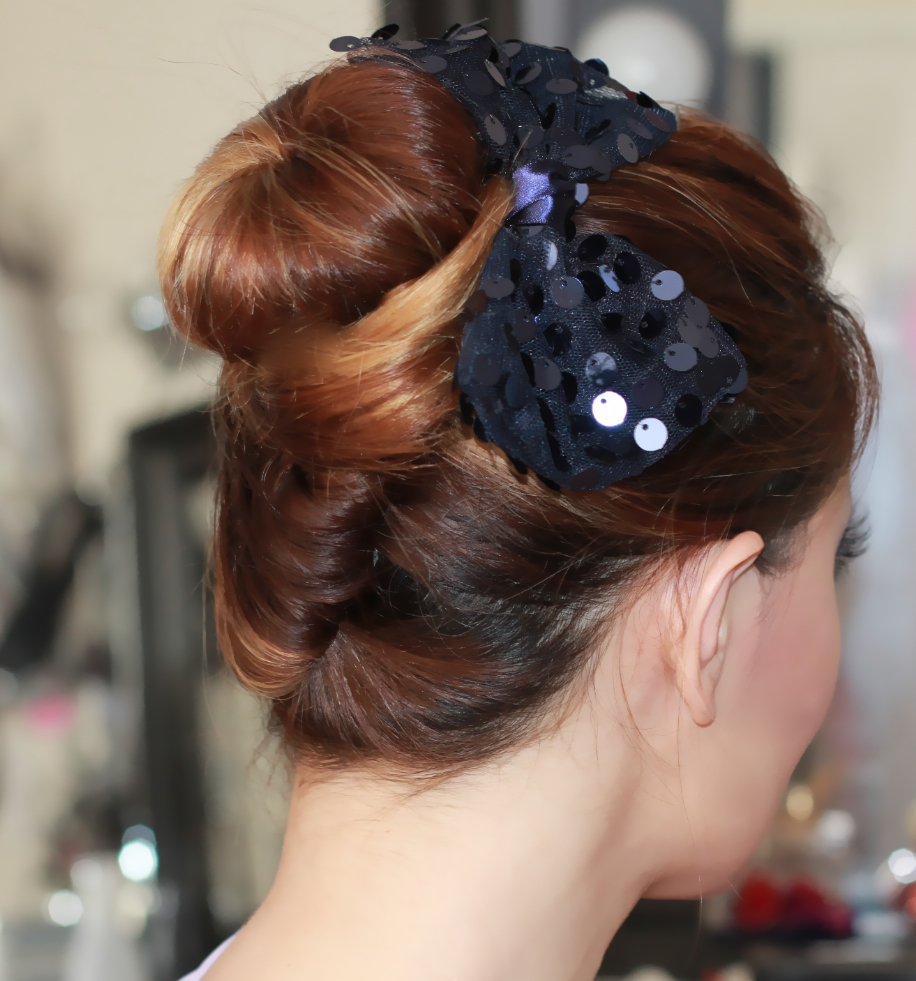 18 Interesting French Knot Hairstyles | Hairstylo