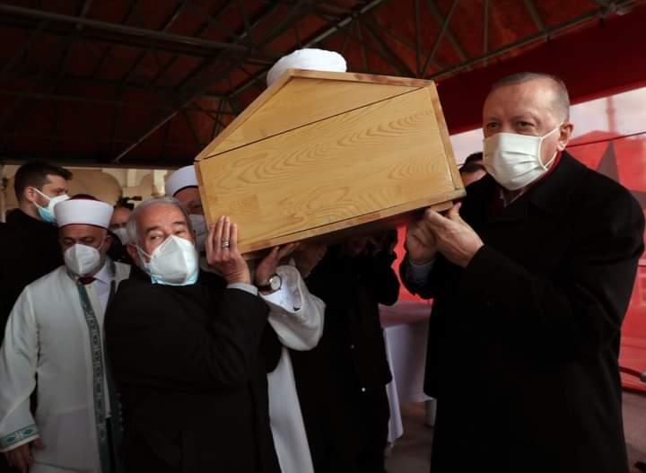 Hafiz Abdullah Nazirli Wafat, Erdogan Mengangkat Kerandanya