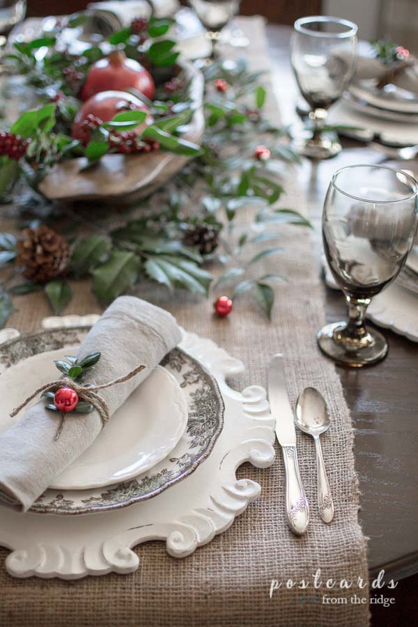 Christmas table setting with natural and rustic decor