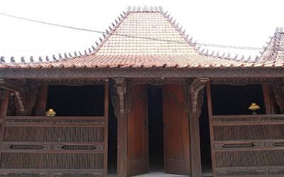 Ukiran Gebyok Di Jawa Dan Bali