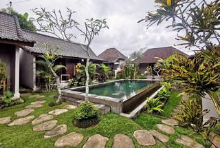 La piscina de nuestro hotel, el Buda Cottage Ubud.