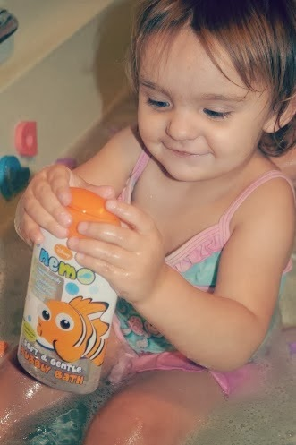 , Bathtime Fun with H&A Disney Nemo Bubbly Bath