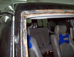 akibat daripada cermin kereta masuk air