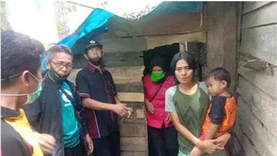 Rumah Tak Layak Huni, Kepala Desa Salemba Turun Tangan Bersama