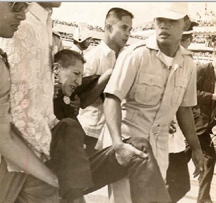 El enigmático artista escoltado en 1970,  tras atacar al Pontífice con una daga / WEB