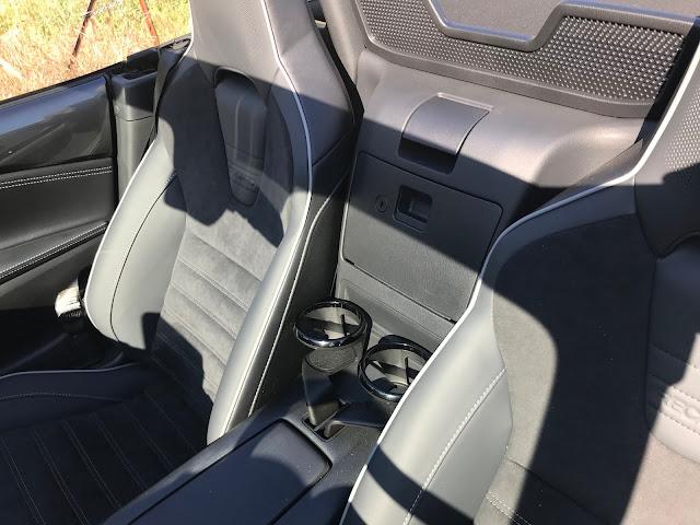 Seats/cupholders in 2020 Mazda MX-5 Miata Club