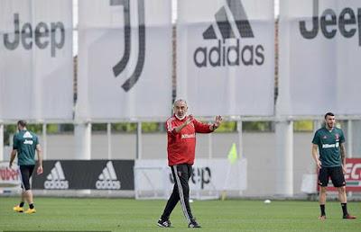 Ronaldo trở lại tập luyện cùng Juventus, đồng đội kể bí mật ở chung nhà 2
