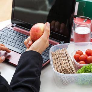 Ofis çalışanı nasıl beslenmeli ?