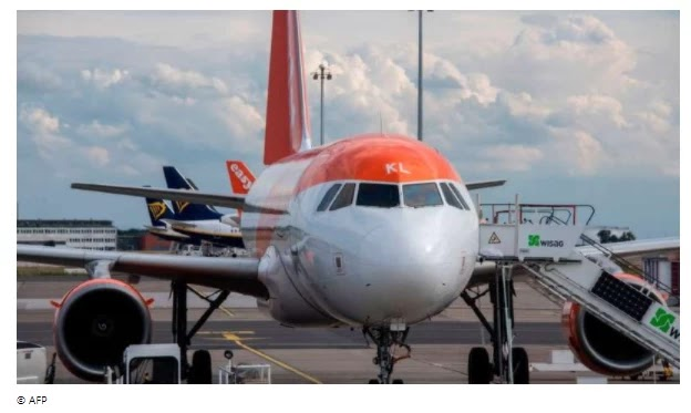 EasyJet warned of heavy losses and cuts in more flights