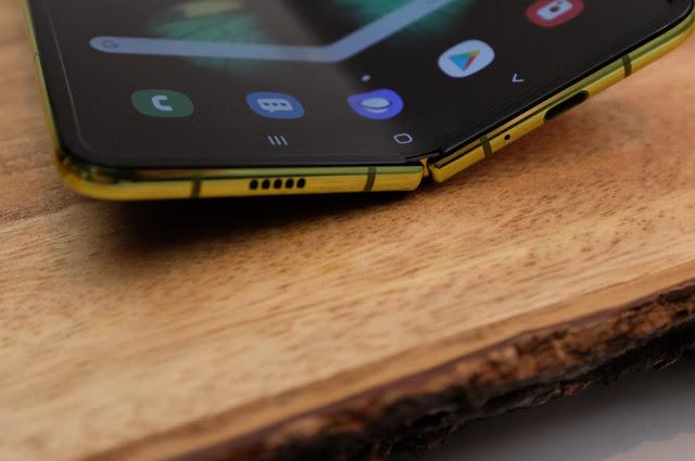 Samsung Galaxy Fold - Review Ponsel Lipat dari Samsung