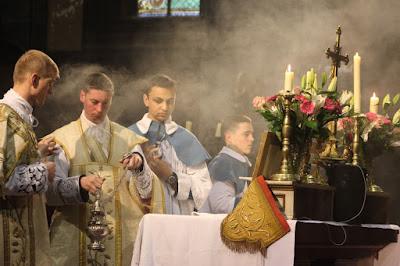 Pasen - Instituut Christus Koning en Hogepriester