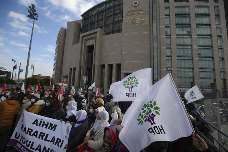 Tουρκία: Συνελλήφθησαν τρία στελέχη του φιλοκουρδικού κόμματος HDP