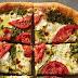 Γρήγορη πίτσα με πέστο και μοτσαρέλα !