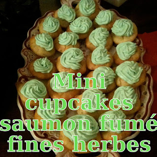 http://danslacuisinedhilary.blogspot.fr/2012/02/mini-cupcakes-au-saumon-fume-et-fines.html