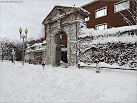 Una de las Puertas de Acceso al Campus Principal de Harvard